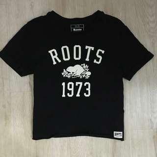 Roots短版上衣