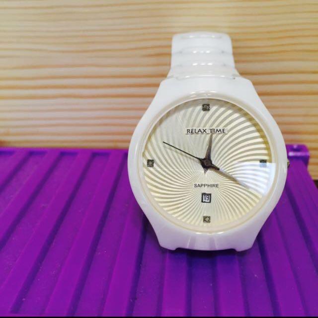 (可換可議)Relax Time 時尚藍寶石晶鑽陶瓷腕錶-白 R0800-26-01WT