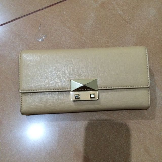 CHARLES AND KEITH WALLET ORIGINAL