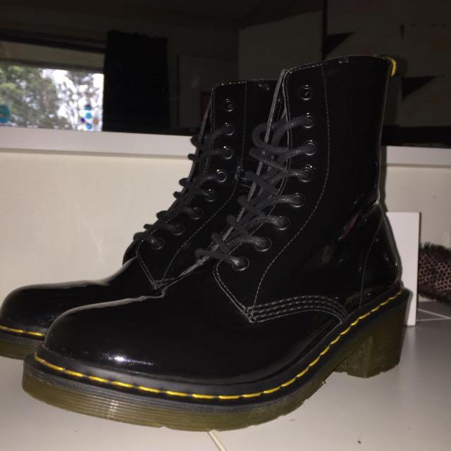 Dr Martens Shoes/Boots