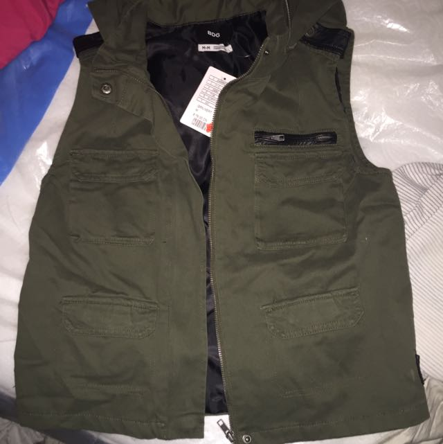 Green Vest Urban OutfitterS