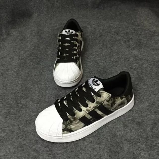 low priced c74f0 b0536 INSTOCKS) black Floral Adidas Superstar Shoes, Women's ...