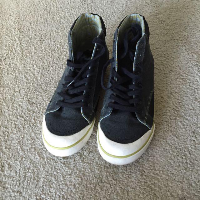 Kathmandu dark Grey Shoes