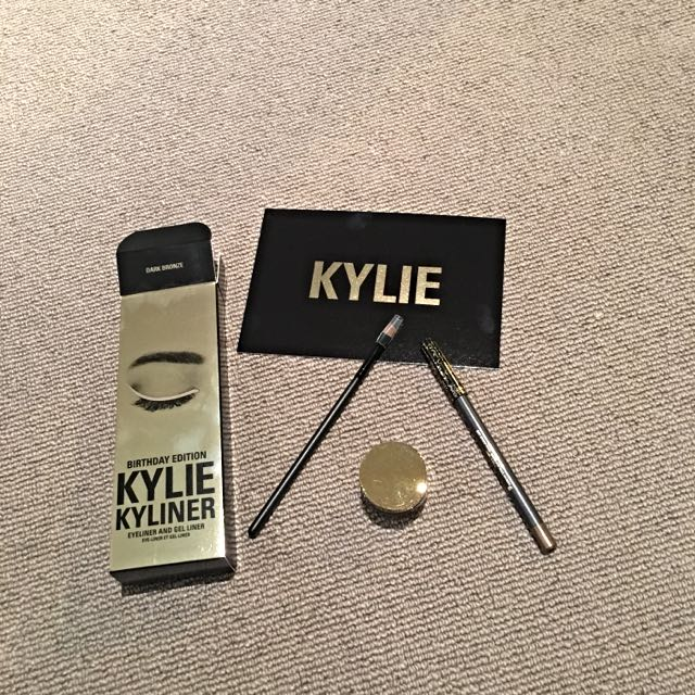 Kyliner by Kylie Cosmetics - Birthday Limited Edition