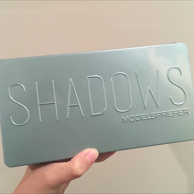 Models prefer nude shadows palette
