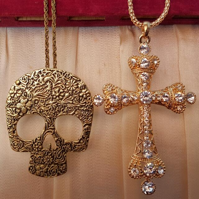 Set Of 2 Brand New Oversized Big Skull And Cross Necklace
