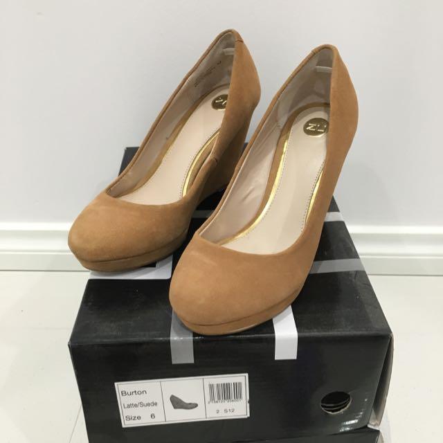 Size 6 Zu Shoes