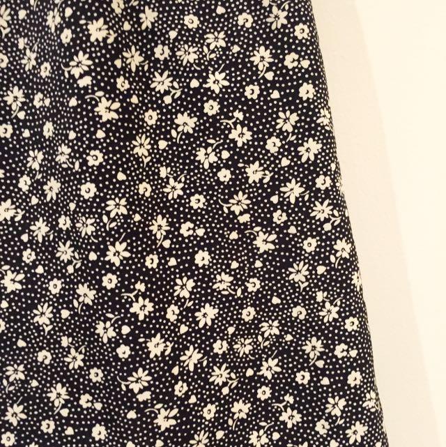 *Vintage* Tailored Daisy Black And White Print Skirt / Skort Size 6