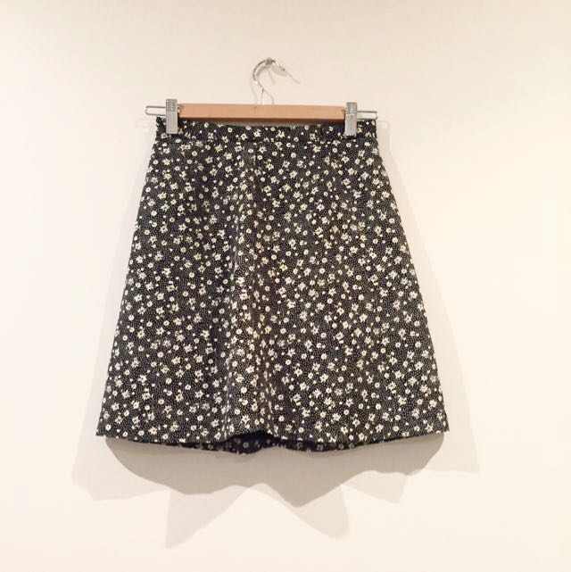 *Vintage* Tailored Daisy Black And White Print Skirt / Skort Size 6