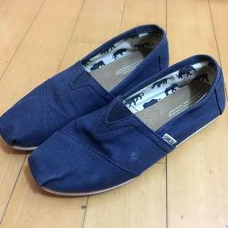 TOMS 海軍藍帆布鞋