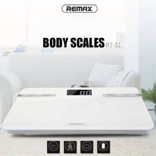 2016 New Arrival Bluetooth 4.0 Smart Health Weighing Scale Measure Muscle Bone Fat Mass BMI Body Water BMR Intelligent Body Scale for IOS Phone