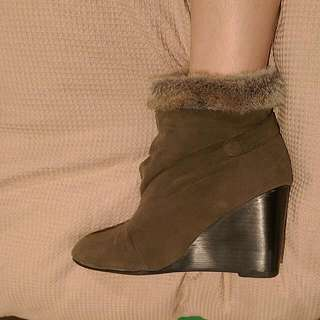 Dark Olive Fur Shoes - Size 7