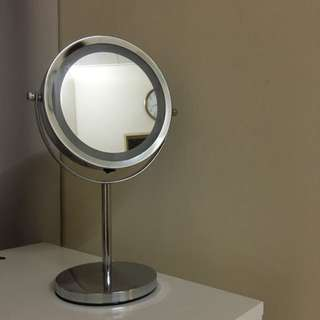 Double Side Magnifying LED Makeup Mirror