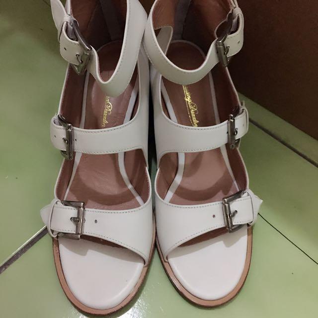 轉賣 小首爾商行 白色涼鞋