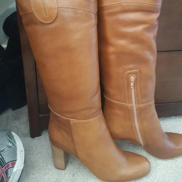 BRAND NEW NEVER BEEN WORN Cosmoparis Tan Boots