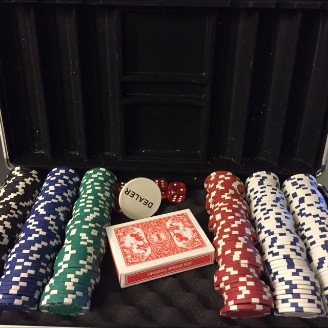 Complete Set Poker Chips
