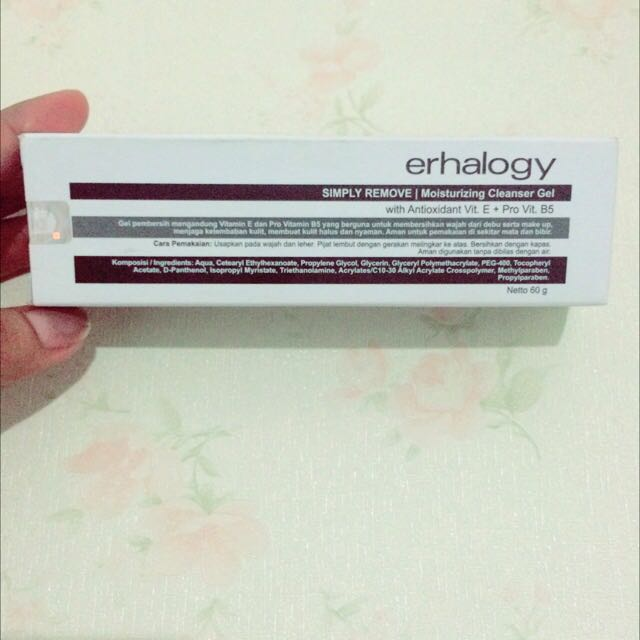 Erhalogy Simple Remove   Moisturizing Cleanser Gel