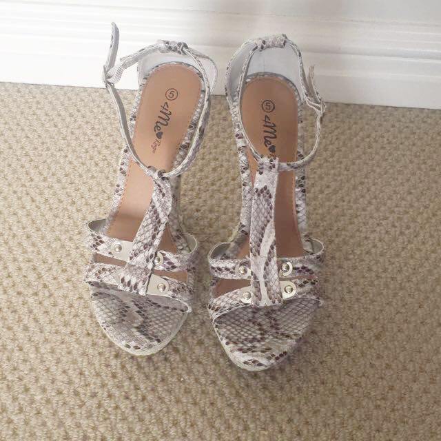Faux Snake Skin Wedges (Size 5 South Africa)