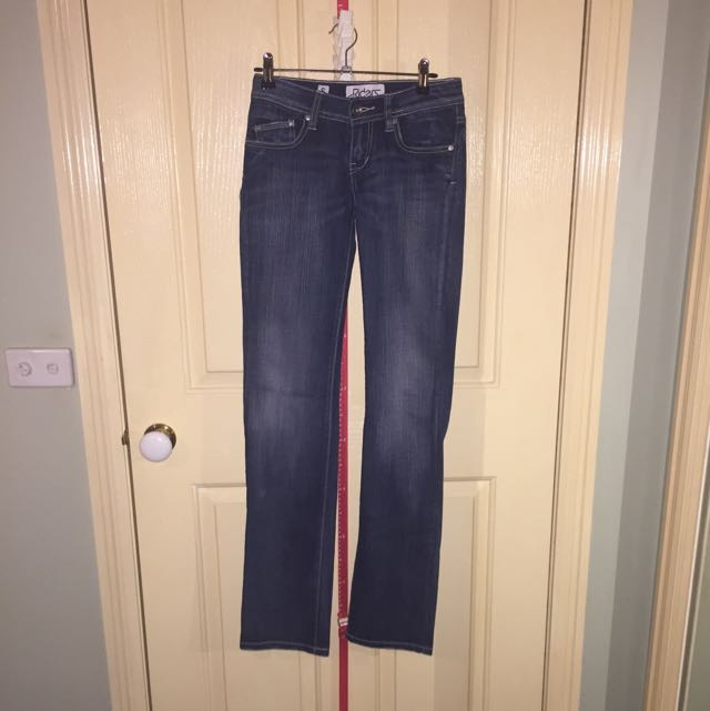 Lee Riders - Size 6 - Straight Leg