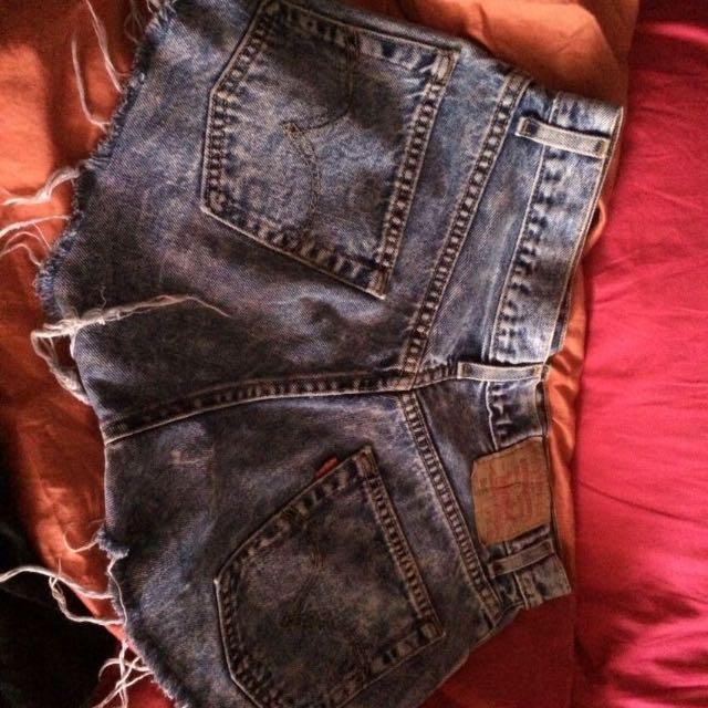 Levis Shorts Sz 31