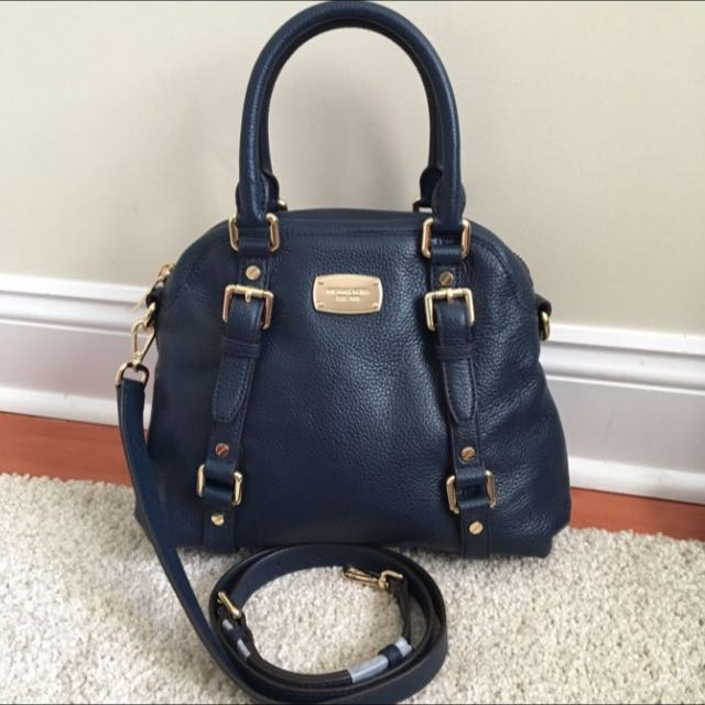 82dd453b5a4d MICHAEL KORS BEDFORD MEDIUM BOWLING SATCHEL IN NAVY