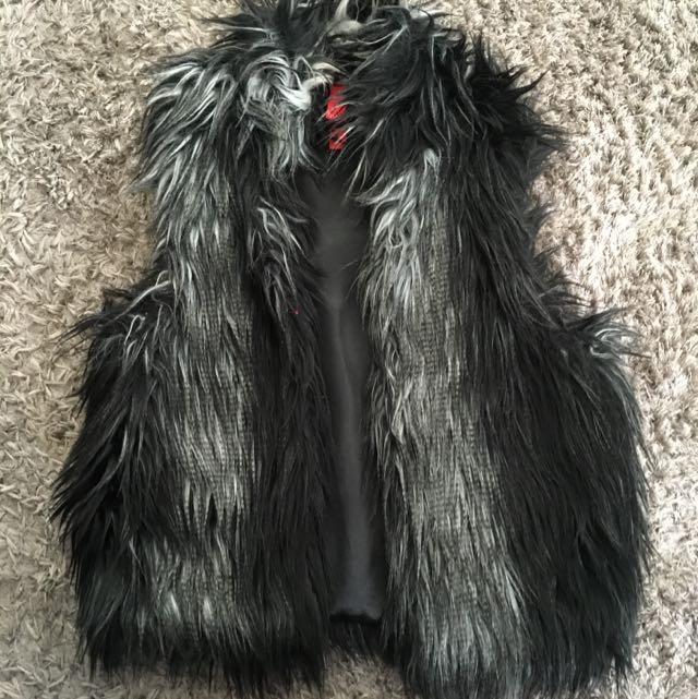 Plume Size 8 Fur Vest