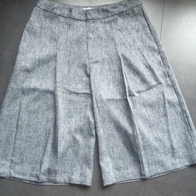 Semi Cullot Pant Grey Size L