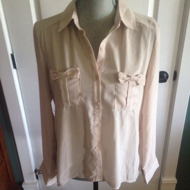 Sirens Beige Button Up Top
