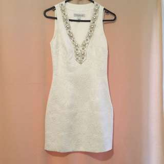 Forever New Size 6 White Dress