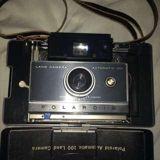 Polaroid Automatic 100 Land Camer