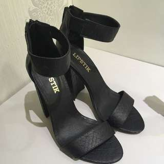 Lipstik Heels 7.5