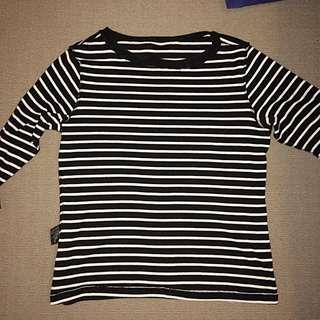 Medium Length Sleeved Striped Shirt