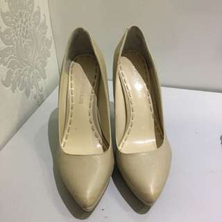Pointy Pumps 6.5