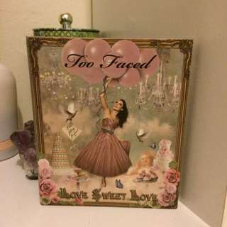 Too Faced Love Sweet Love Pallete