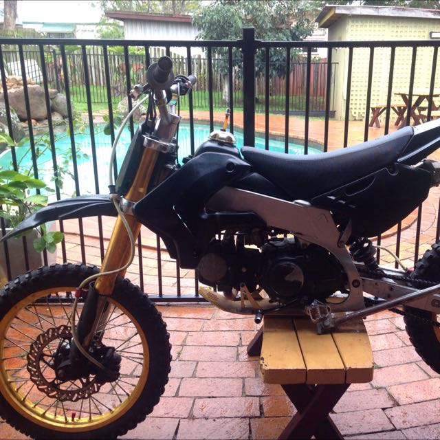 150 Cc Dirt Bike $750 Neg