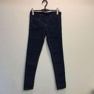 全新 S 牛仔褲