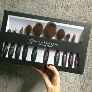 Anastasia Beverly Hills Paddlebrush Set ✨💖