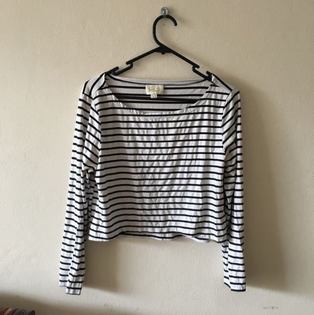 Black And White Strip Crop Tshirt
