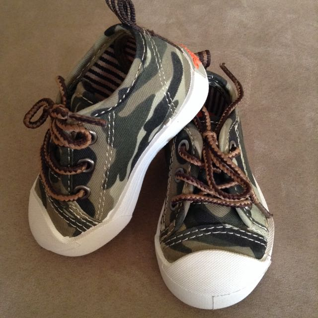 coumoflage baby boy sneakers