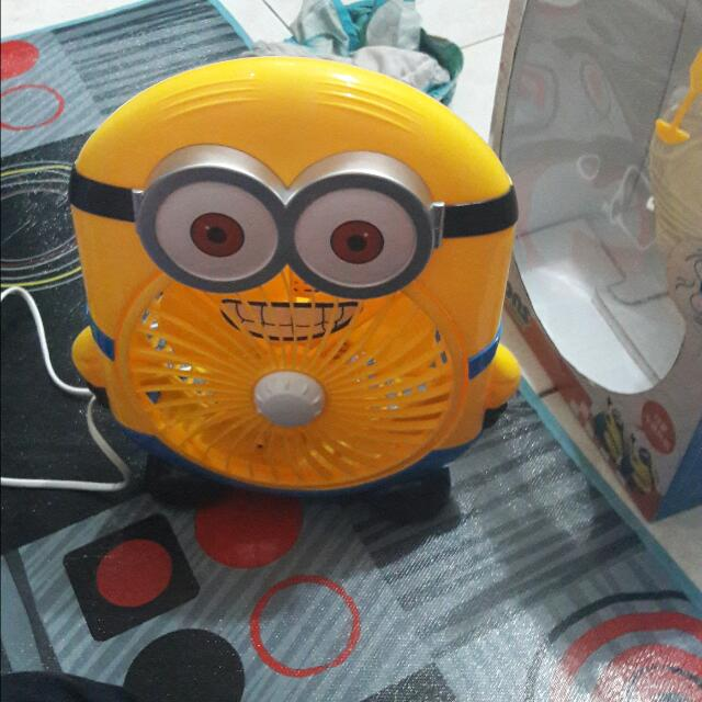 Kipas Angin Minion