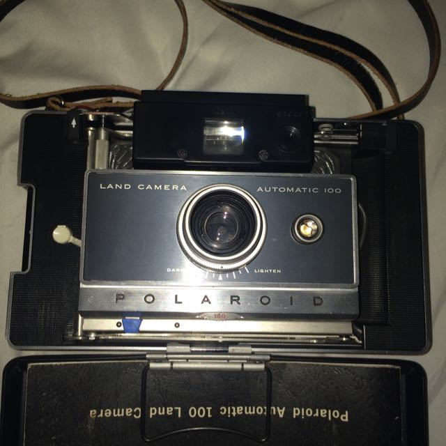 Polaroid Automatic 100 Land Camer