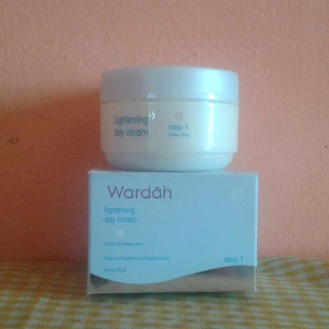 Wardah Whitening Day Cream