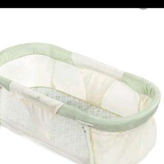Co-sleeper.  New In Box With Bonus Fitted Sheet
