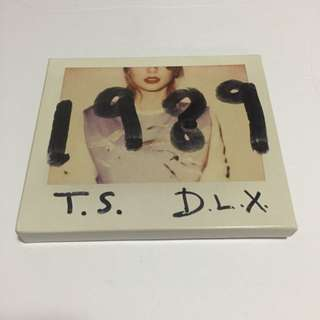 Taylor Swift 1989 Deluxe Edition Album