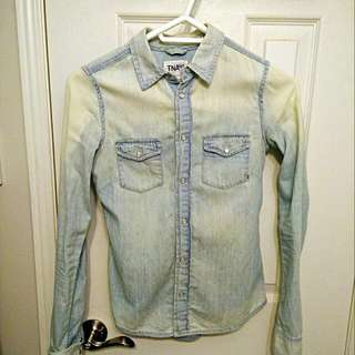 Aritzia Denim Shirt - ALMOST NEW