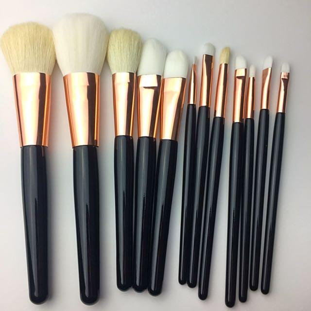 12Pcs High Quality Goat Hair Makeup Brush Set