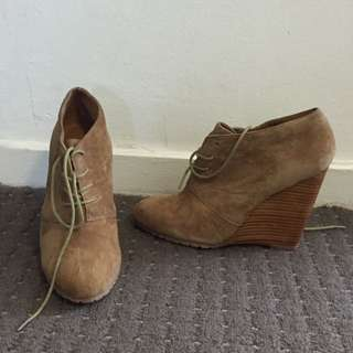 Also Lace Up Wedges Size: 8(au)