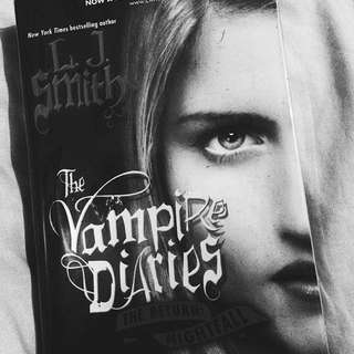 The Vampire Diaries Volume 1