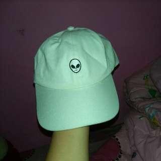 Alien White Cap
