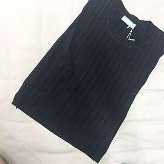 黑色直紋無袖上衣